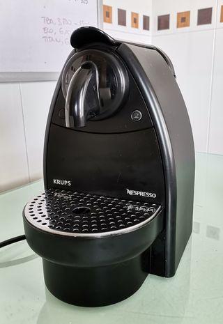 Cafetera Nespresso. Krups