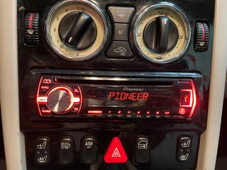 Radio CD Pioneer DIN-1 con Usb prácticamente nueva