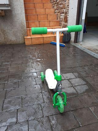 Monopatín de dos ruedas 3 años