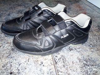 Zapatillas cierre velcro