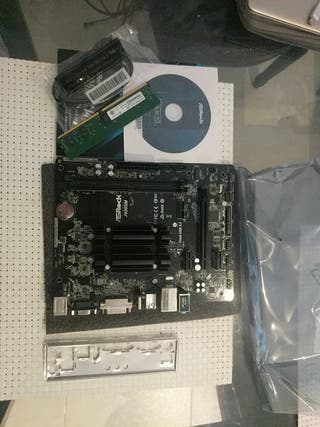Placa Base ASRock J4005M + Memoria DDR4 (4Gb)
