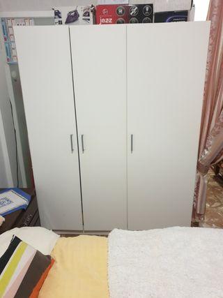 Armario con 3 puertas