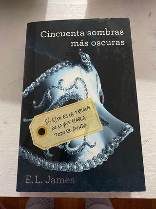 """Libro """" Cincuenta sobras más oscuras"""""""