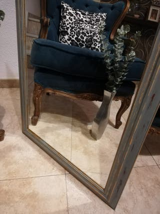 Espejo antiguo .