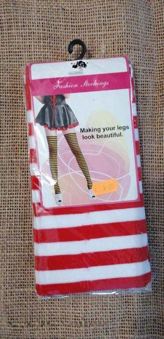 6 und medias calcetines rojas con blanco