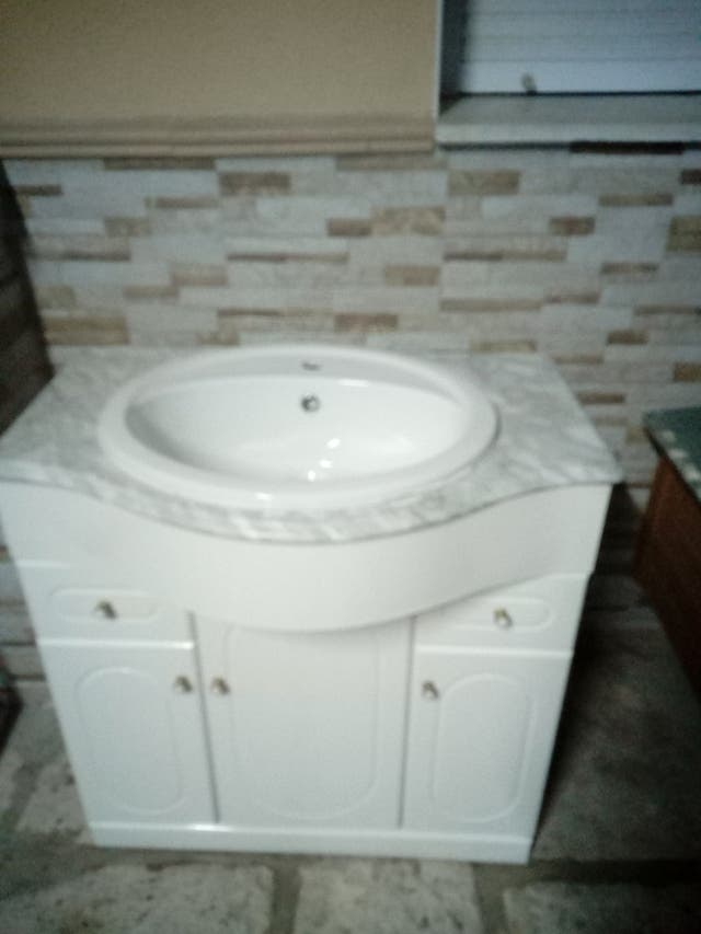 Lavabo con piedra de marmol