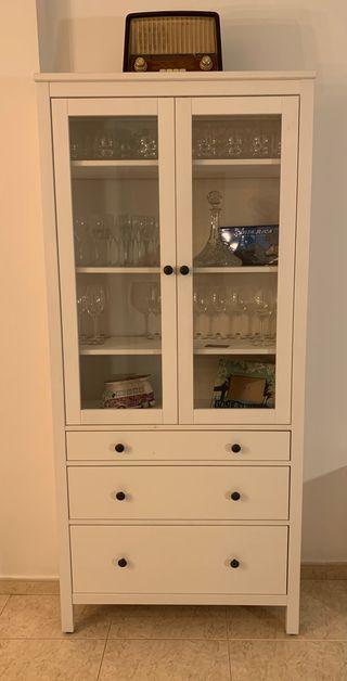 Vitrina Hemnes Ikea