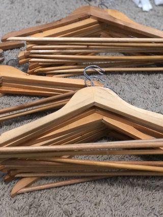 Percha madera