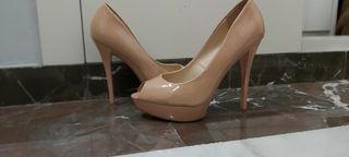 zapatos peep toe mango charol nude