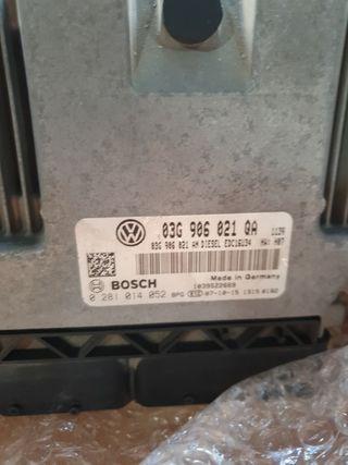 centralita motor VW 03G906021QA