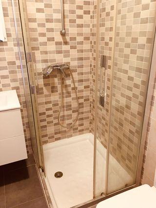 plato de ducha 80× 100 cm con mampara de ducha