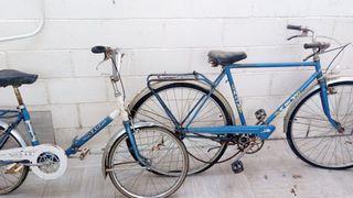 dos bicicletas antiguas