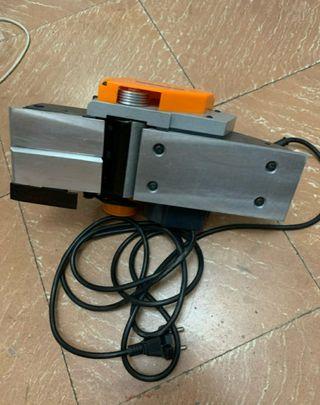 Cepillo eléctrico Legna R-99