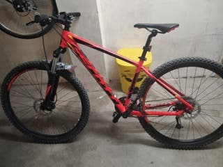 se vende bicicleta scott aspect 950