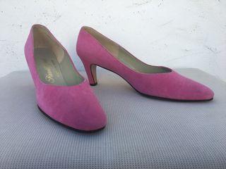 Zapatos tacón de ante.