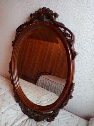 Espejo de madera y resina. Tono roble