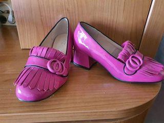 zapatos tacón fucsia