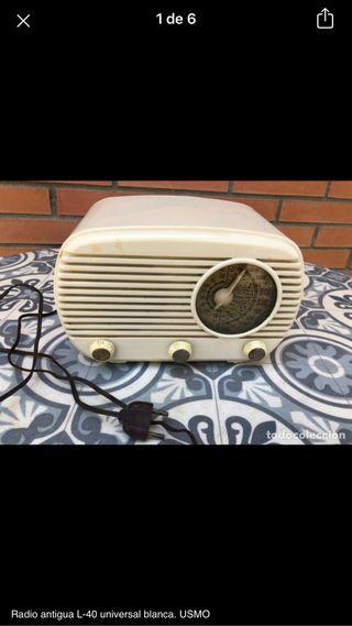 Radio antigua L-40 universal no probada. USMO