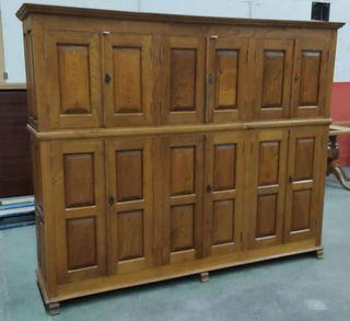mueble de madera maciza. BAJO EL PRECIO
