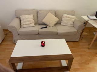 Sofá IKEA y mesa abatible de centro