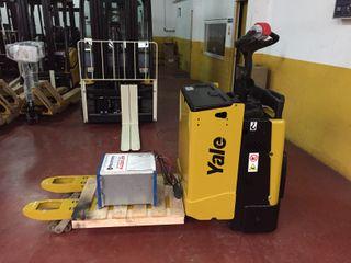 Transpaleta eléctrica con plataforma Yale 2000kg