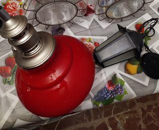 Un par de lámparas