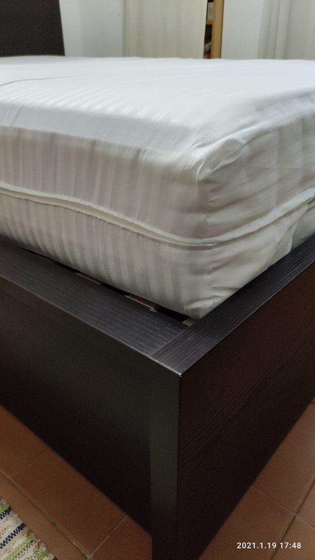 Cama MALM 140cm con canapé. Color wengué.