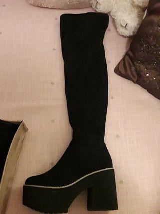 botas altas de tacón