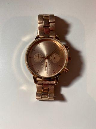 Reloj Bershka pink gold
