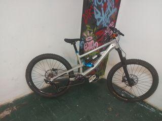 bicicleta freeride-enduro