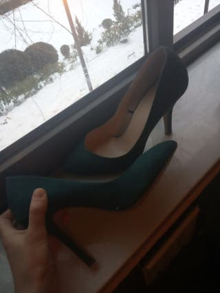 zapato tacón alto Verde talla 38 en buen estado