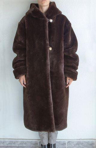 Abrigo marrón pieles sintéticas