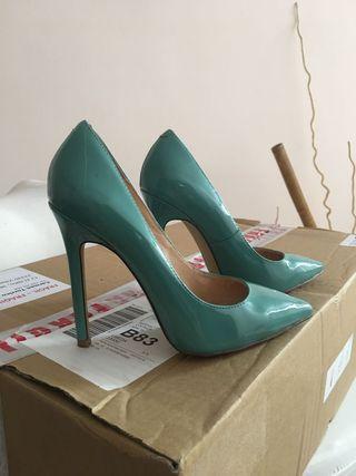 Zapato salón color verde agua número 36