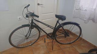 bicicleta de paseo negra