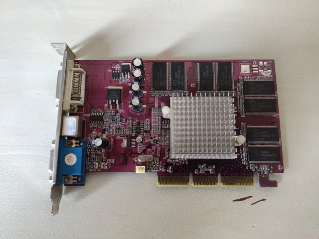 Tarjeta de video Geforce MX440 8x 128MB DDR