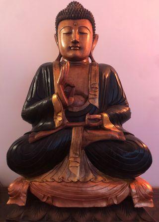 Preciosa talla de Buda en madera