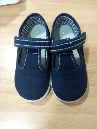 5€ zapatos de niño Numero 25.