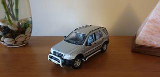 Mercedes Benz ML 1/18