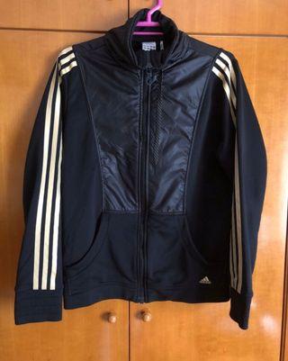 Sudadera Adidas negra y dorada