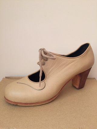 Zapatos de flamenco profesional. N 37