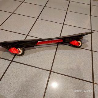 Monopatín de dos ruedas