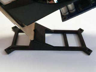 Soporte vertical gpu atornillable rig mineria 3d