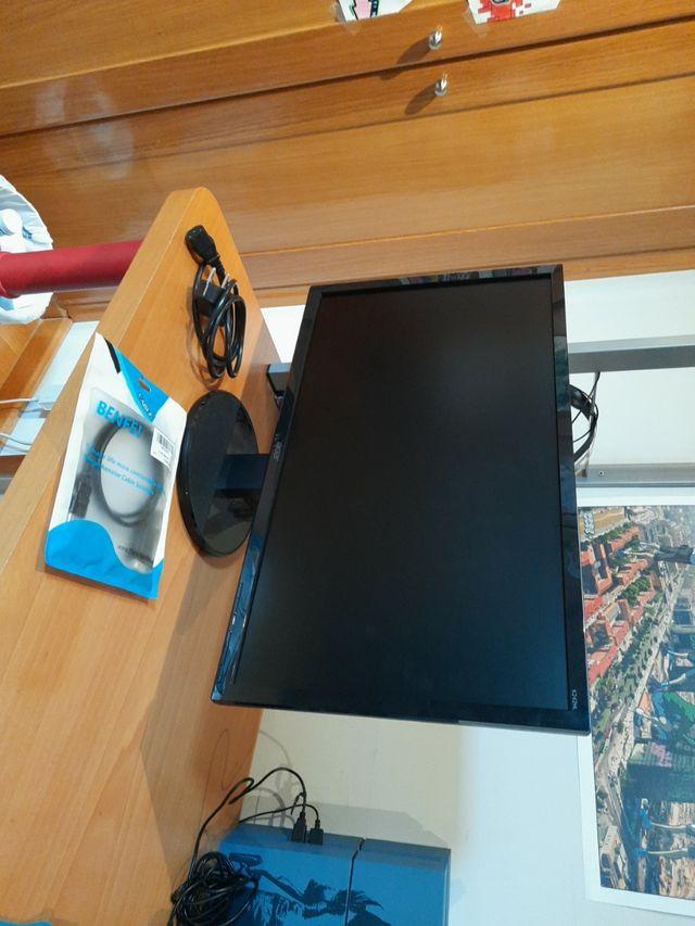 Monitor Acer 24 pulgadas.