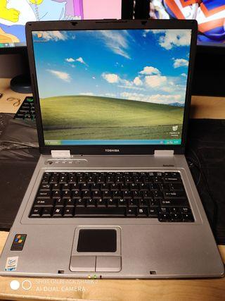 Portátil Toshiba L15-S104
