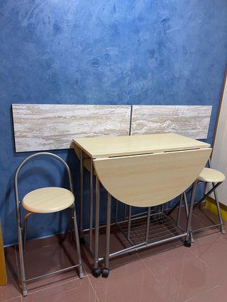 Mesa plegable cocina + 4 taburetes