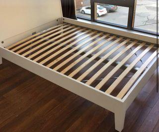 Estructura de cama blanca doble IKEA