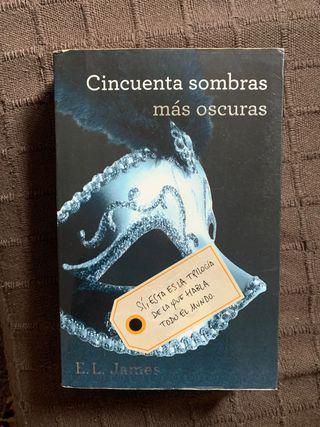 Libro 'Cincuenta sombras más oscuras'