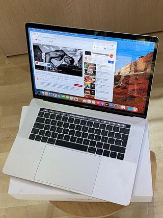 MacBook Pro 15 / 16GB / 256GB Touchbar