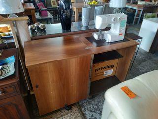 """Mesa + máquina de coser """"PRIVILEG"""""""