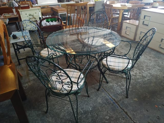 Mesa + 4 sillas - Table + 4 chairs 100 cm. 135€